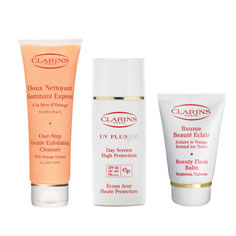 gift: clarins gift trio