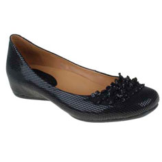 earthies®: the valla (black)