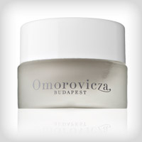 Free omorovicza deep cleansing mask sample!