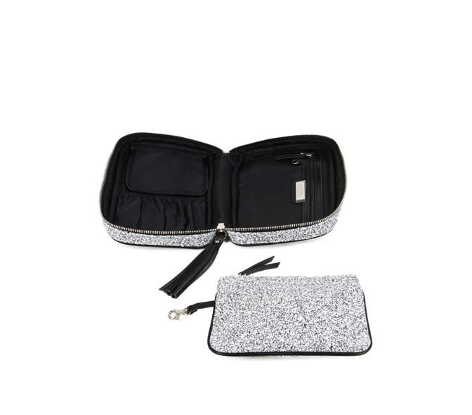 hudson + bleecker etoile cosmetic case open