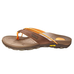 vionic by orthaheel cascade sandal (chocolate)